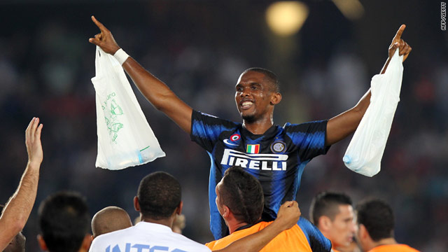 Inter's Cameroon star Samuel Eto'o celebrates after scoring their second goal in the Club World Cup final.