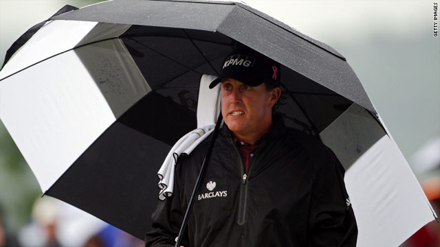 Phil Mickelson needed to finish in the top two to claim the world number one spot from Tiger Woods.