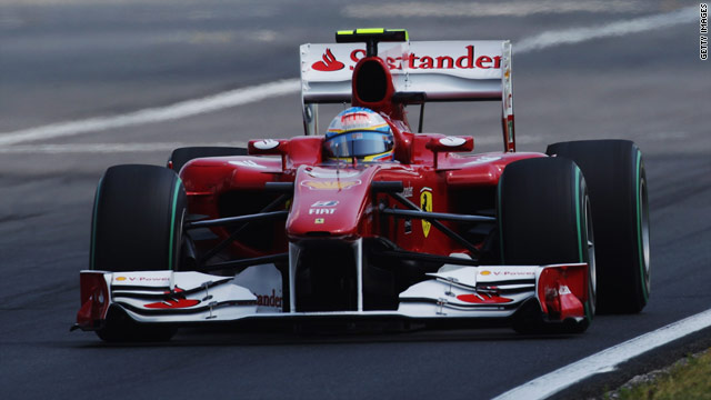 Ferrari's Fernando Alonso has revived his title hopes with a victory and a second placing in his last two races.