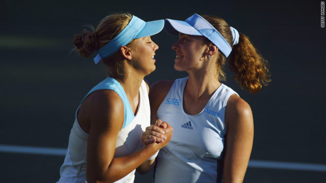 Kournikova and Hingis formed a successful doubles partnership which brought two grand slam titles.