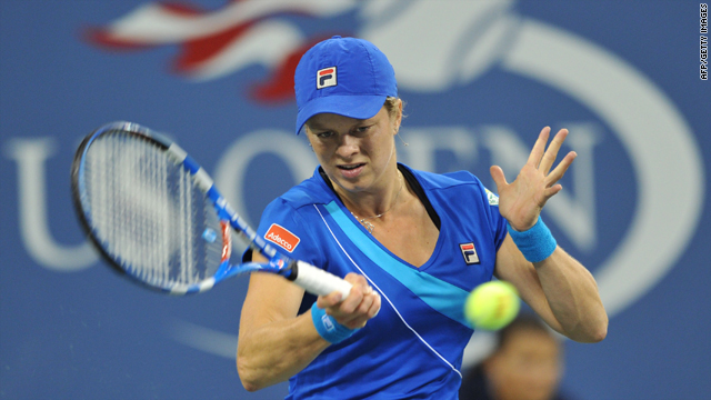 Kim Clijsters successfully defended her U.S. Open title after a comfortable final victory over Vera Zvonareva.