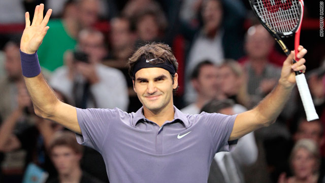 Roger Federer salutes the crowd at the Paris-Bercy stadium  on Friday after winning his quarterfinal against Jurgen Melzer.