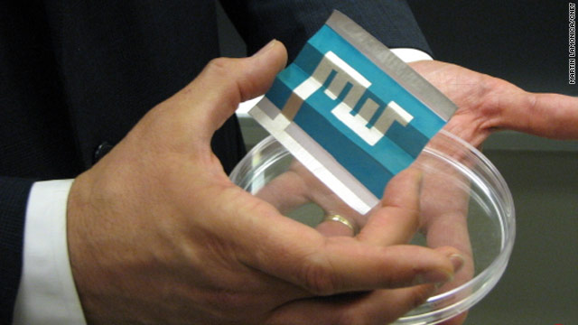 Massachusetts Institute of Technology says it has successfully produced the first solar cell paper. It spells MIT.