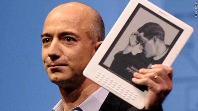 Amazon.com CEO Jeff Bezos unveils the Kindle DX in New York on May 06, 2009.