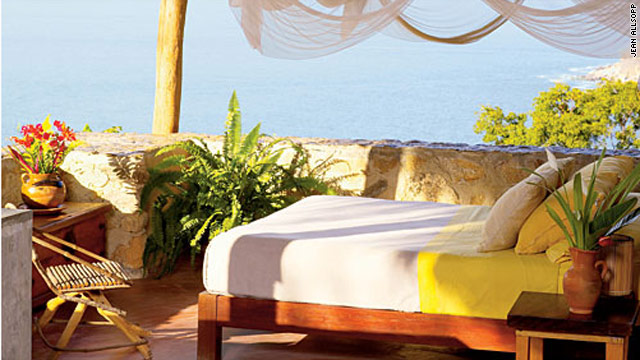 Verana on Costa Alegre offers eight guest houses with ocean views.