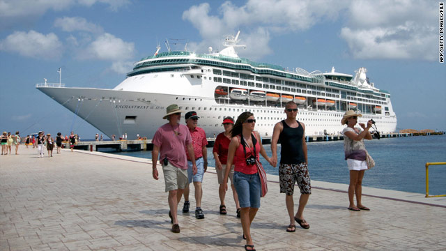 A glut of ships sailing the Mexican Riviera means low prices this year, a cruise expert said.