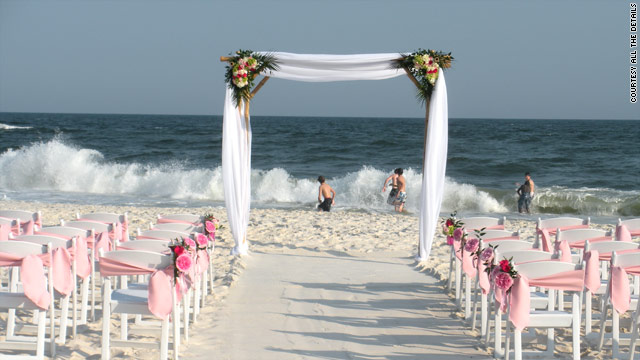 The Gulf Coast oil spill has many couples re-thinking their beach wedding plans.