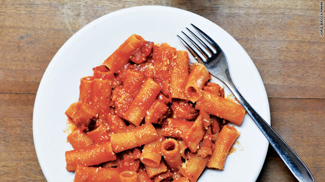 Try the Rigatoni all'Amatriciana at 73-year-old Da Tonino al Governo Vecchio in Piazza Navona.