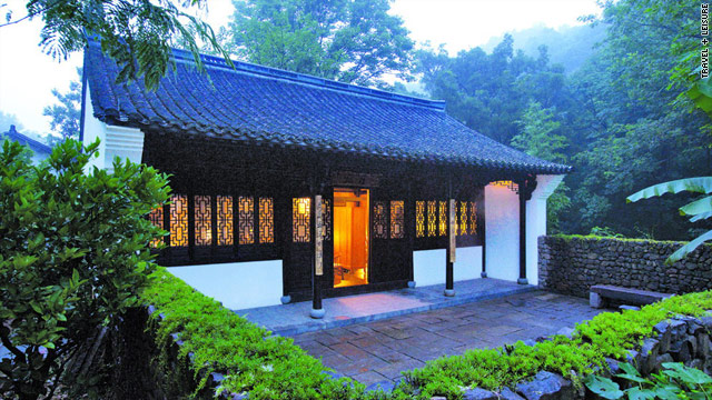 Hangzhou, an ancient capital in China, is attracting travelers with its recent clutch of new hotels.