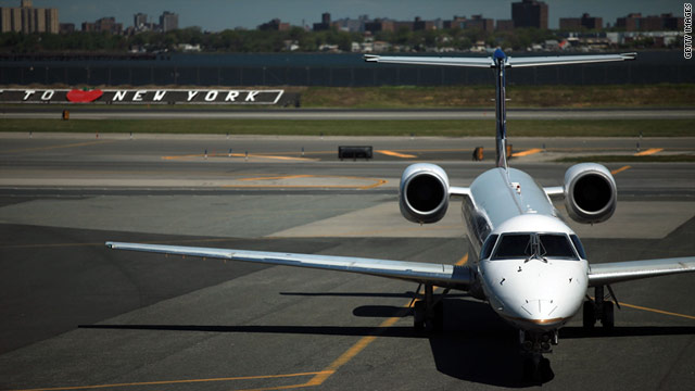 There were no tarmac delays lasting more than three hours in October, according to a Department of Transportation report.