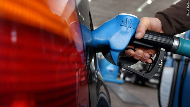 With dropping oil prices, the national average for a gallon of gasoline may not reach the $3 mark all summer.