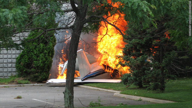 Small plane crashes into Long Island office building - CNN com
