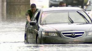 http://i.cdn.turner.com/cnn/2010/US/07/25/chicago.area.floods/story.1238.chicago.flooding.wgn.jpg