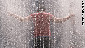 When temperatures reach into the 90s, a cool shower can offer more help than a fan, a beat-the-heat website says.