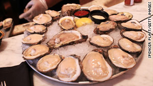 State and federal officials say that Mississippi oysters are safe to eat.