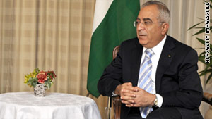 Palestinian Prime Minister Salam Fayyad said the United States may need to expand its role in Mideast peace talks.