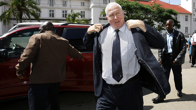 Controversial Zimbabwean politician Roy Bennett arrives at the Zimbabwe High Court on January 12, 2010.