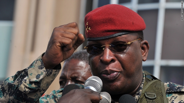 Guinea's interim junta leader General Sekouba Konate gives a speech at the Alpha Yaya military camp in Conakry Wednesday.