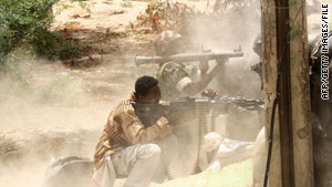 Somali government fighters battle militants in Mogadishu last month.