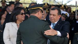 Honduran President Porfirio Lobo Sosa, at right with wife Rosa and Gen. Carlos Antonio Cuellar last week.