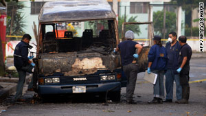 An arson attack on a mass transit bus occurred Sunday night in a congested San Salvador neighborhood.