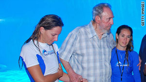 Ex-Cuban President Fidel Castro visits Havana's aquarium on Thursday.