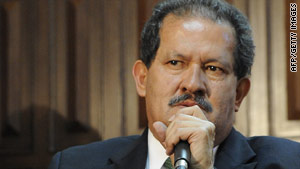 Colombian Vice President Angelino Garzon speaks at a press conference in Ecuador on July 22.