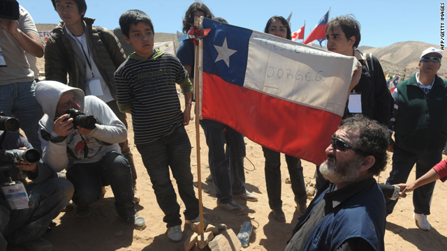 Freed Chilean miners return to &#039;Camp Hope&#039; for Mass