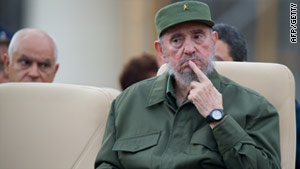 Fidel Castro is said to have rejected colon surgery in 2006, according to a medical source in U.S. diplomatic cables.