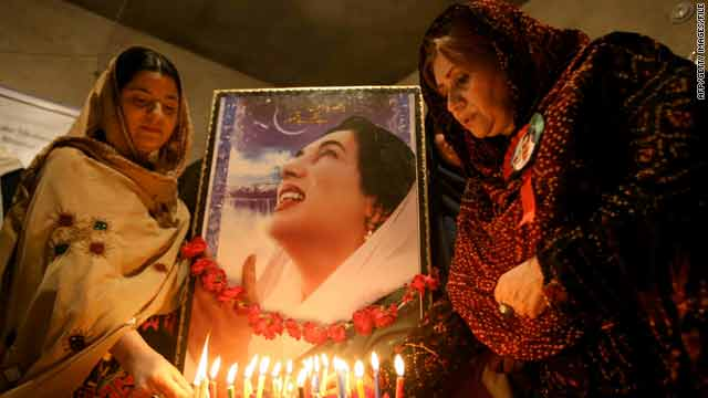Supporters in Quetta, Pakistan, light candles on December 27, the second anniversary of former PM Benazir Bhutto's assassination.