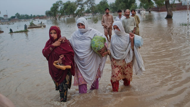 The Obama administration hopes its response to floods in Pakistan will help improve America's image among the Pakistani public.