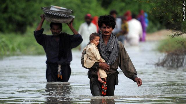 t1larg.pakistan.flooding1.afp.gil.jpg