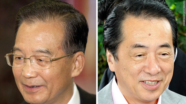 Chinese Premier Wen Jiabao, left, and Japanese Prime Minister Naoto Kan