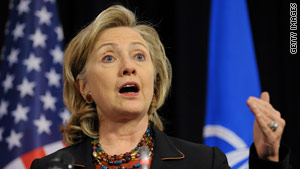 Hillary Clinton said the United States is willing to serve as mediator in a disagreement between Japan and China.