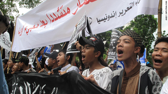 "Obama is scheduled to arrive in Jakarta on Tuesday as part of a 10-day visit to Asia. These protesters yelled, ""No Obama."""