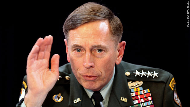 Petraeus warns Karzai on Afghan exit timing