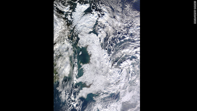 t1larg.nasa.uk.snow.jpg