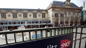 The closure of Austerlitz station will affect 40,000 travelers, a French National Railway official said.