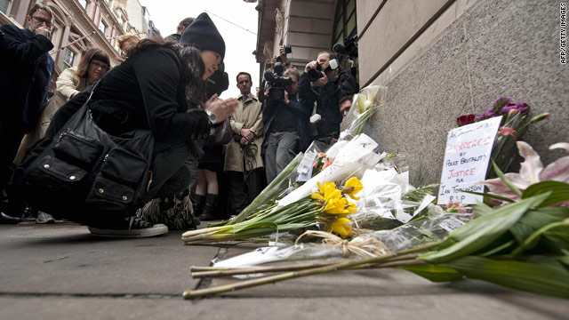 On April 11, 2009, protesters lay flowers at the spot where Ian Tomlinson died during the G20 demonstrations days earlier.