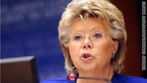 Viviane Reding, vice president for justice of the European Commission, strongly condemend the Roma deportations.