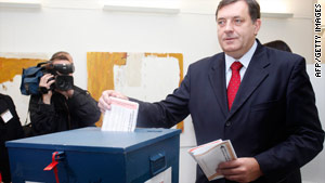 Bosnian Serb presidential hopeful Milorad Dodik casts his ballot in Banja Luka on October 3, 2010.