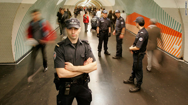 French police step up security patrols in Gare du Nord on October 6, following warnings of a potential terrorist attack in Europe.