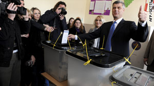 Hashim Thaci casts his ballot at a polling station in the capital Pristina on November 15, 2009.