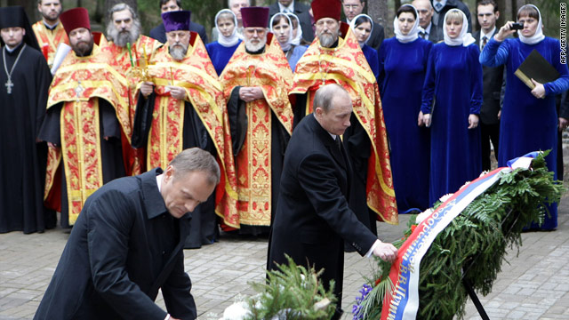Russian PM Vladimir Putin and Polish PM Donald Tusk lay tributes at the memorial museum to the Katyn massacre, April 7, 2010.