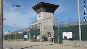 The U.S. government is struggling to find countries willing to re-settle Guantanamo Bay detainees.