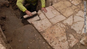 Archaeologists have uncovered a 1,500-year-old road running through the center of Jerusalem's Old City.