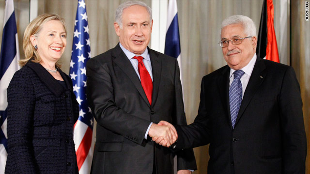 U.S. Secretary of State Hillary Clinton, Israeli Prime Minister Benjamin Netanyahu  and Palestinian president Mahmud Abbas in Jerusalem, on Wednesday.