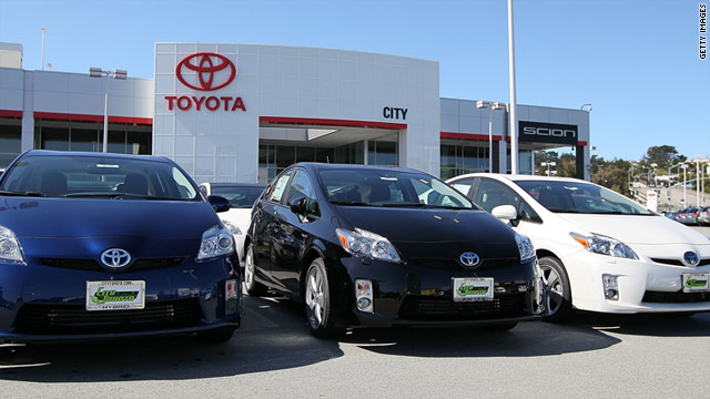 Toyota on Wednesday announced recalls for more than 1.5 million vehicles worldwide for fuel leakage issues.