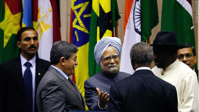 Indian Prime Minister Manmohan Singh speaks to African leaders during the first India-Africa Forum Summit in April 2008.