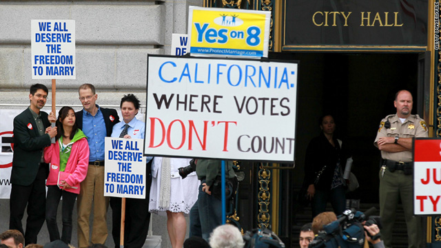 Supporters and opponents of same-sex marriage rally in San Fransisco, California, in August 2010.